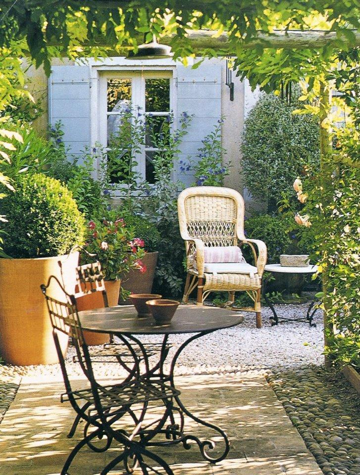 Taras w stylu prowansalskim blog designbywomen - French style gardens ...